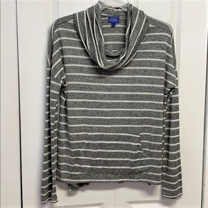 City Streets Sweater Size XL Stripped